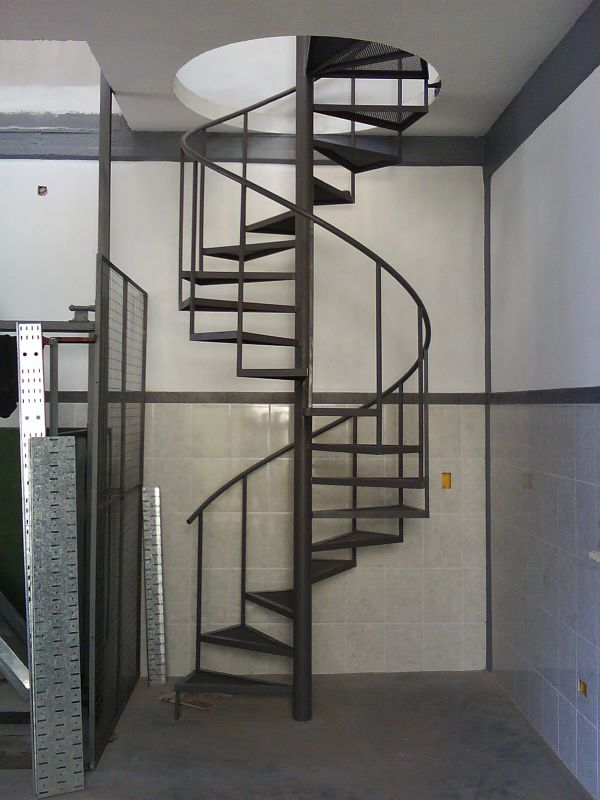 Extramet for Como hacer una escalera caracol metalica